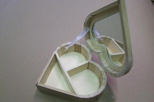 Szív alakú ékszertartó tükörrel - KreatívHobbyLabor.hu