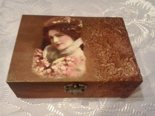Vintage doboz - KreatívHobbyLabor.hu